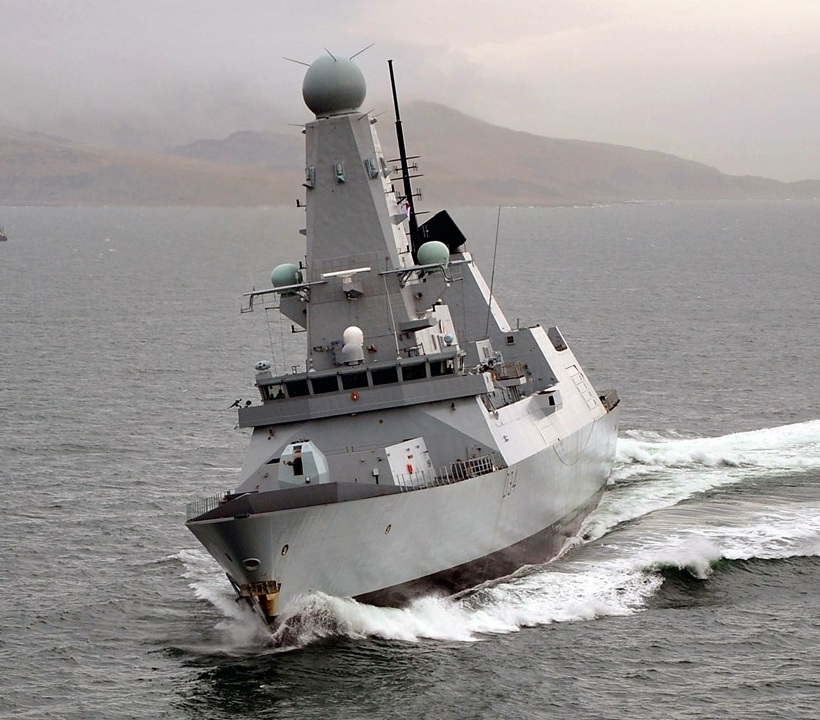 Royal British Navy, Type 45 Destroyer, HMS Dragon, high speed heeling
